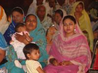 Reaching women and children in Pakistan